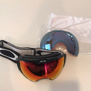 Oakley AirbrakeXL snow goggle